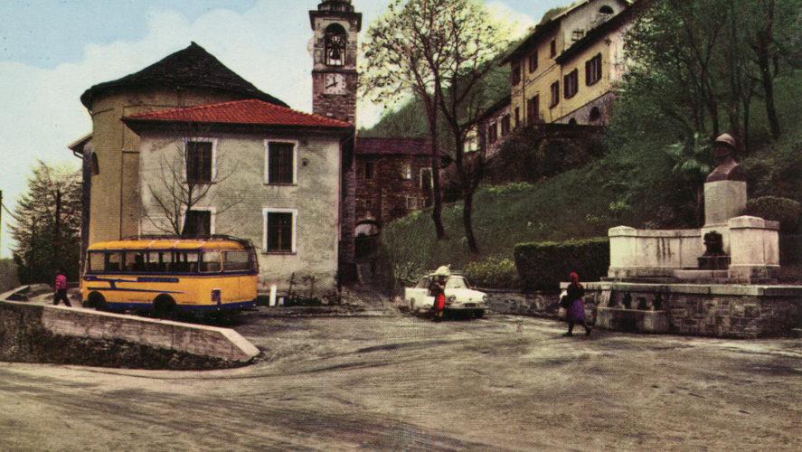 Caprezzo_piazza-corriera