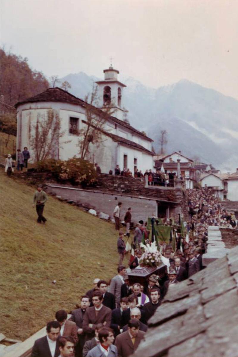 Cossogno_Cicogna-7-novembre-1971