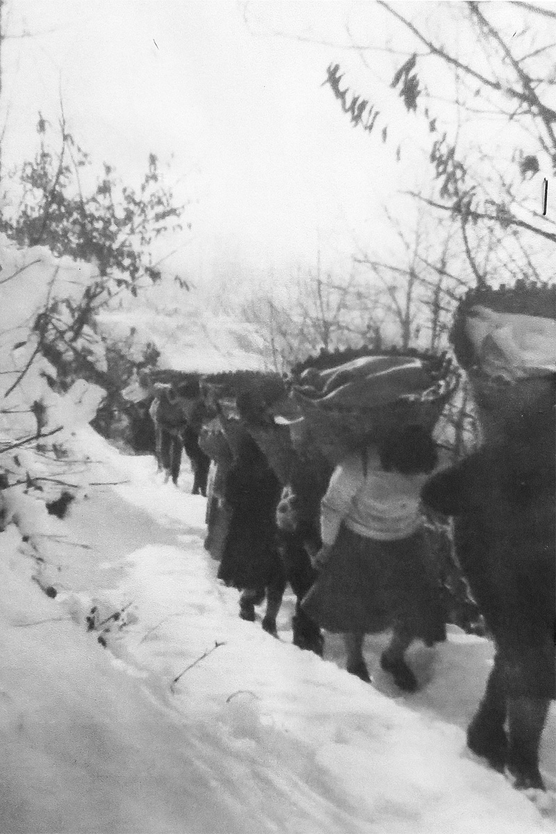 Cuzzego-Cardezza_Processione-del-pane-16-gennaio-1960