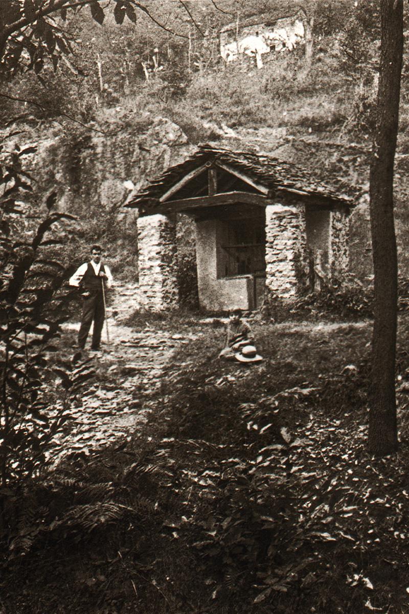 Cossogno_La Cappella della Cresta negli anni '20 - Archivio Ass. Le Ruenche