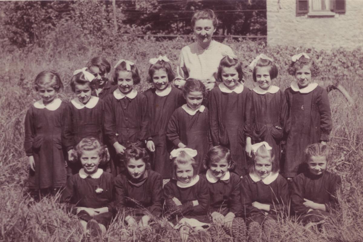 Trontano_Scuole_Nate-1942-al-44-maestra-Ulietti