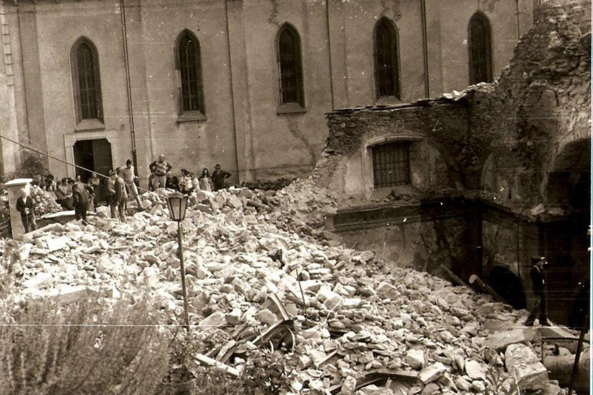 Vogogna_1975-crollo