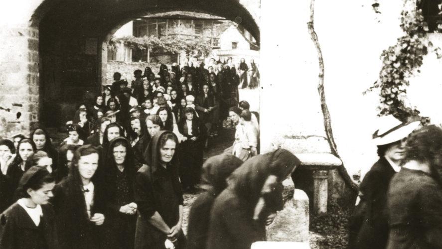 Cossogno_processione2