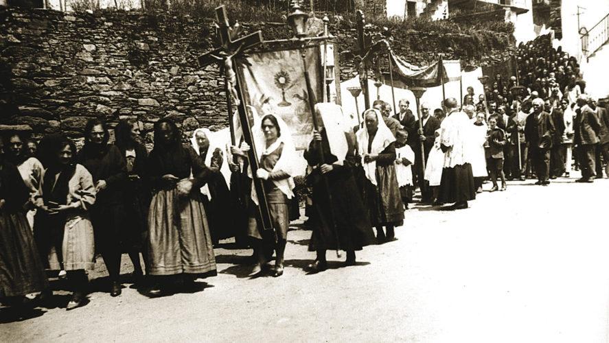 Cossogno_processione4