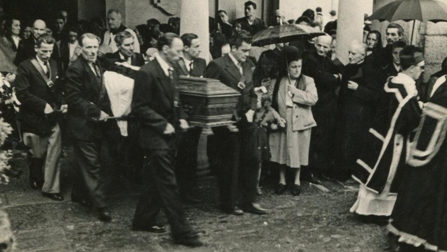 Caprezzo_Funerale-Don-Varalli-11-05-1954