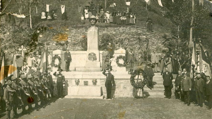 Caprezzo_monumento-caduti-1924-inaugurazione