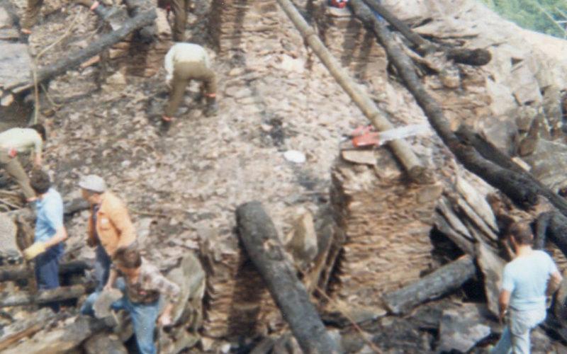 Intragna_Incendio-tetto-chiesa-1988