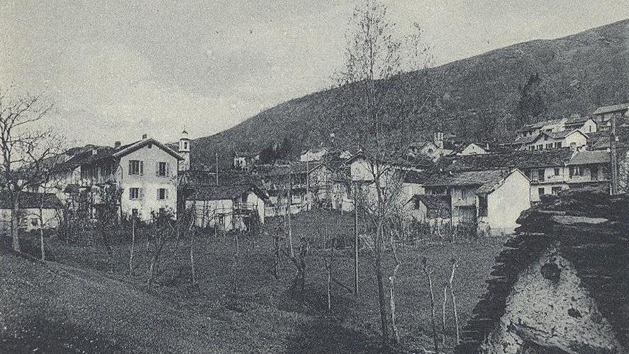 Miazzina_La-piazza-1942
